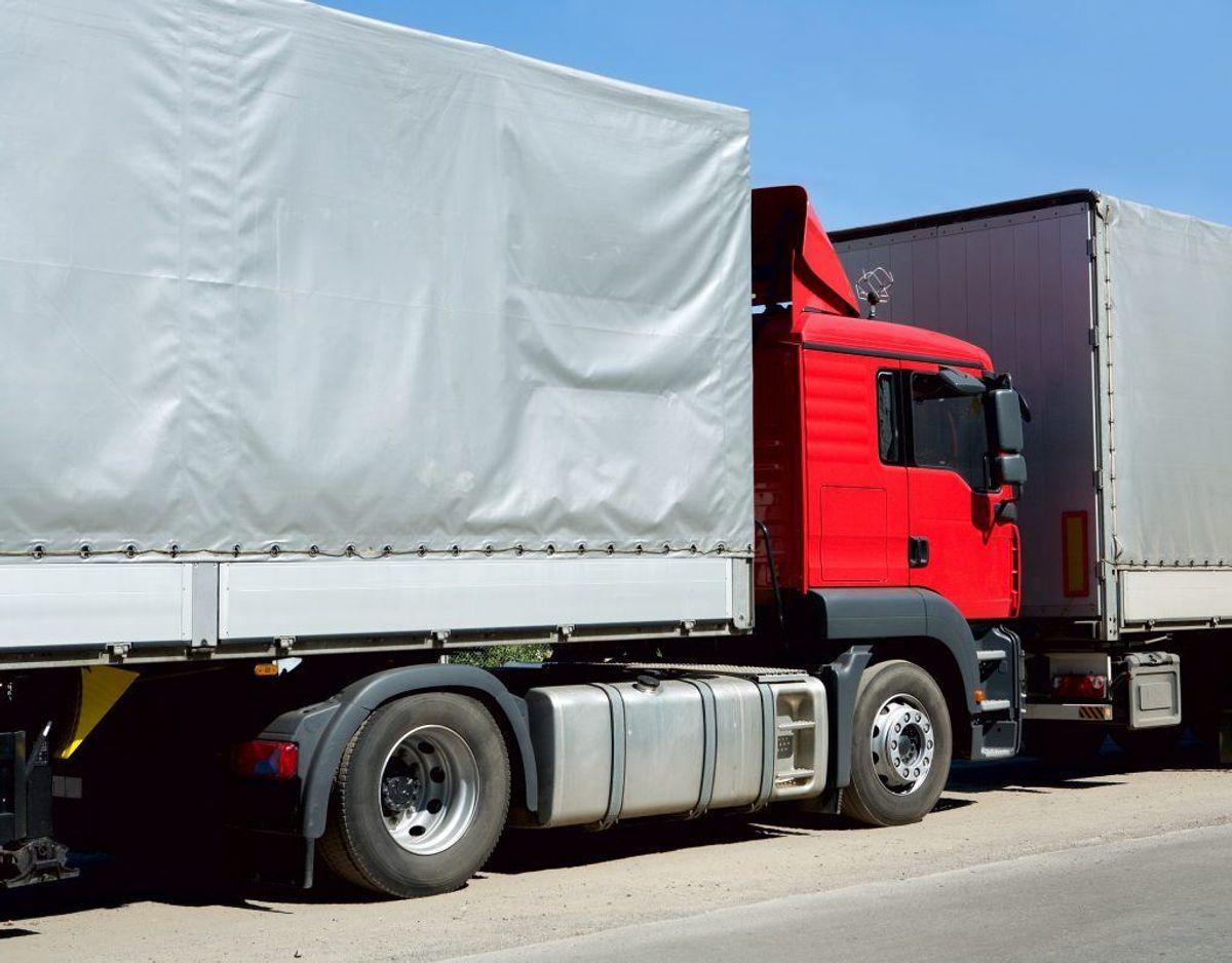 Lastbilerne bliver efterladt, og bøderne bliver ikke betalt.