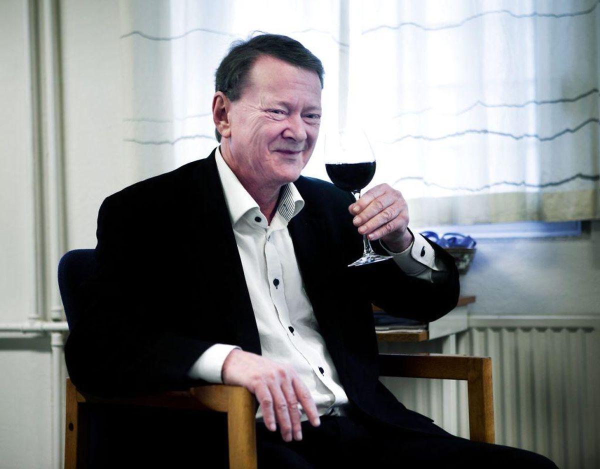 Claus Hede Nielsen er blevet centrum i en besynderlig historie om at være gift med en kvinde, han ikke har set siden 80'erne. Billedet her er fra 2013, da Hede Nielsen fejrede at være blevet retmæssig tilkendt millioner fra familiefonden. Arkivfoto: Scanpix