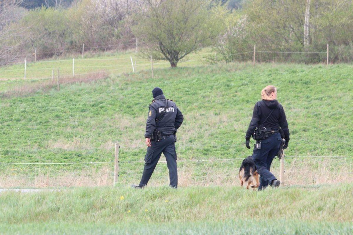 Området er afspærret. Politiet arbejder. Foto: Presse-fotos.dk.