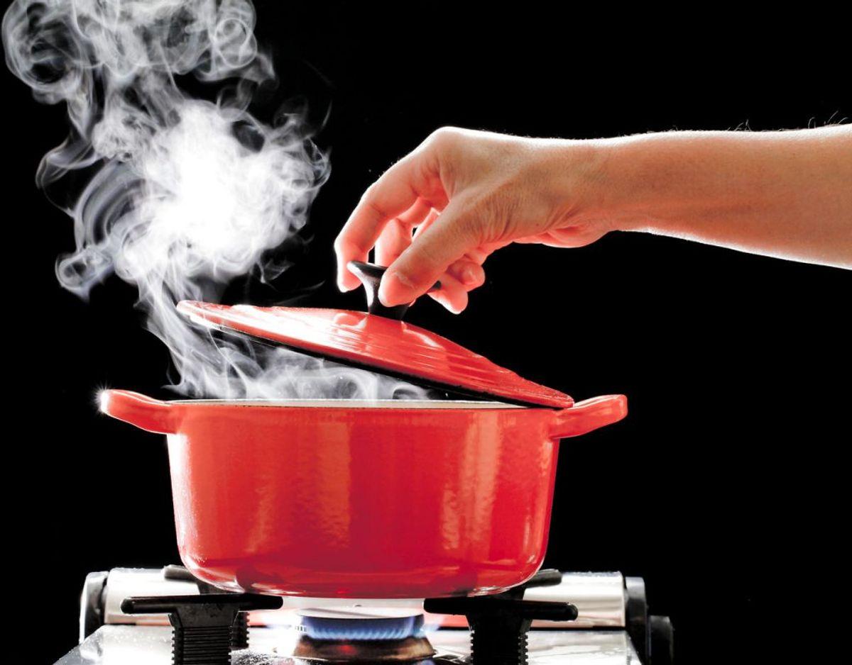 Undgår bakterien listeriose ved at skylle, koge eller stege madvarer.