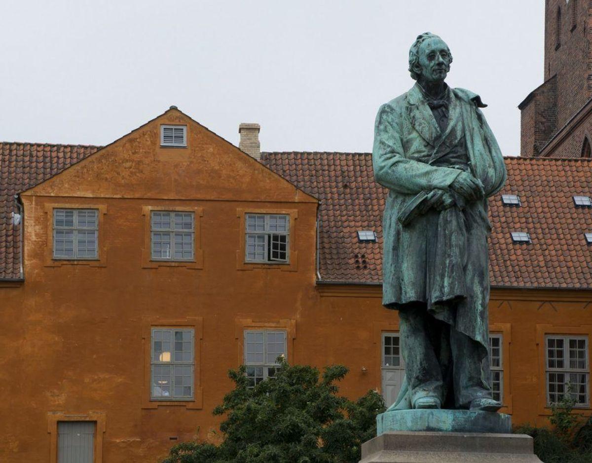 H.C. Andersen var født i Odense og selvfølgelig har byen op til flere statuer af den kendte dansker. Arkivfoto: Scanpix.