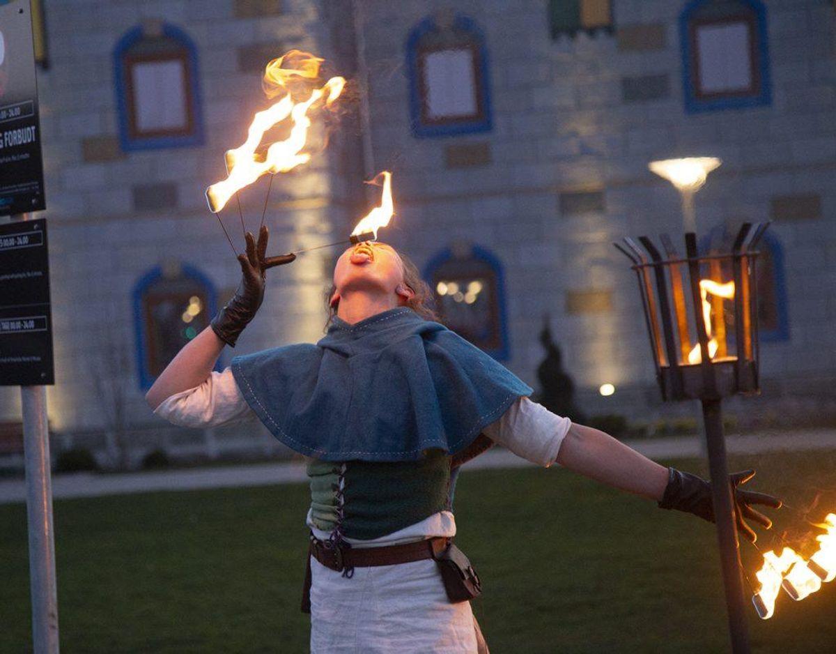 Også en vaskeægte ildsluger bidrog til festlighederne. Foto: René Lind Gammelmark