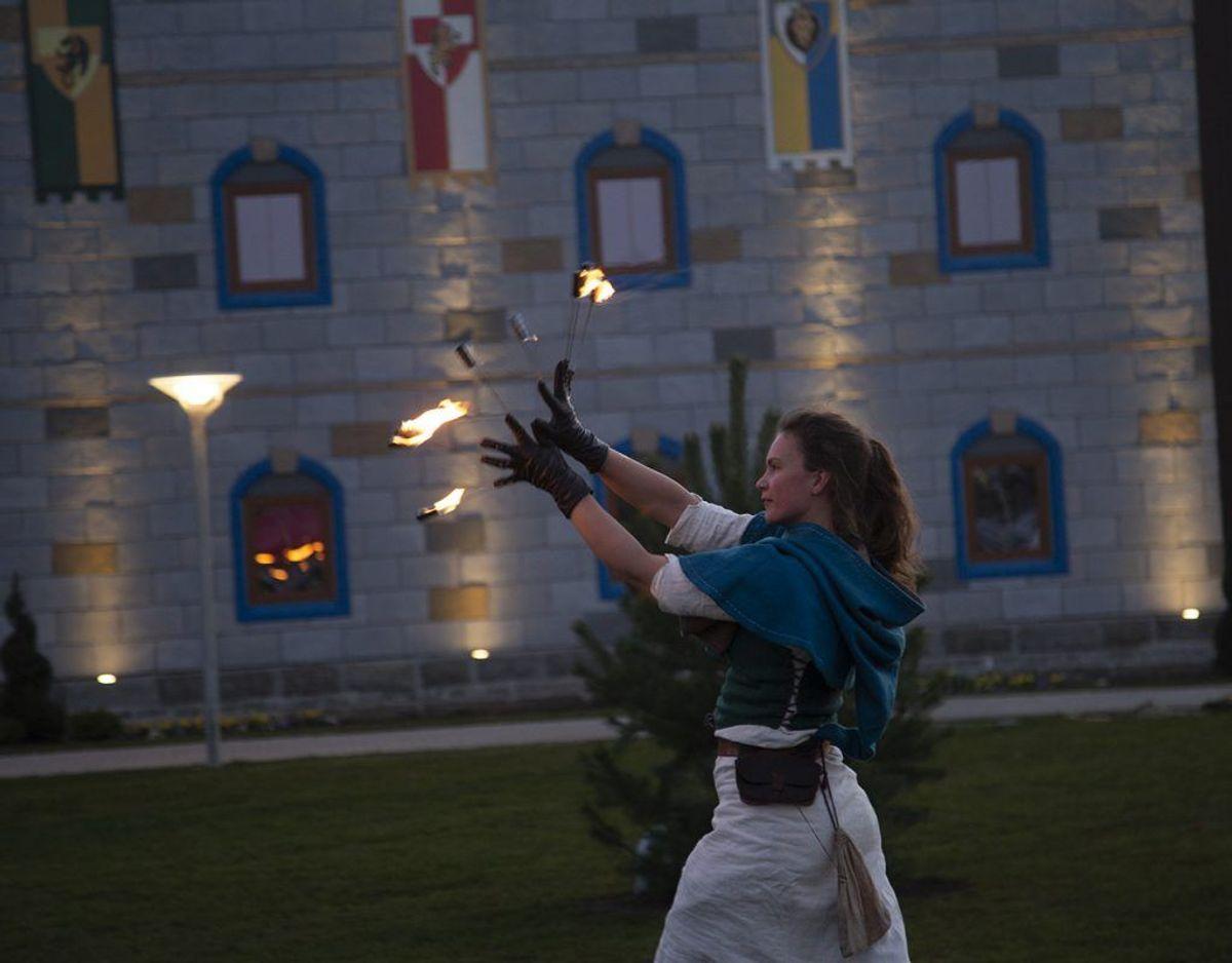 Drabeligt ser det ud, når ildslugeren er i aktion. Foto: René Lind Gammelmark