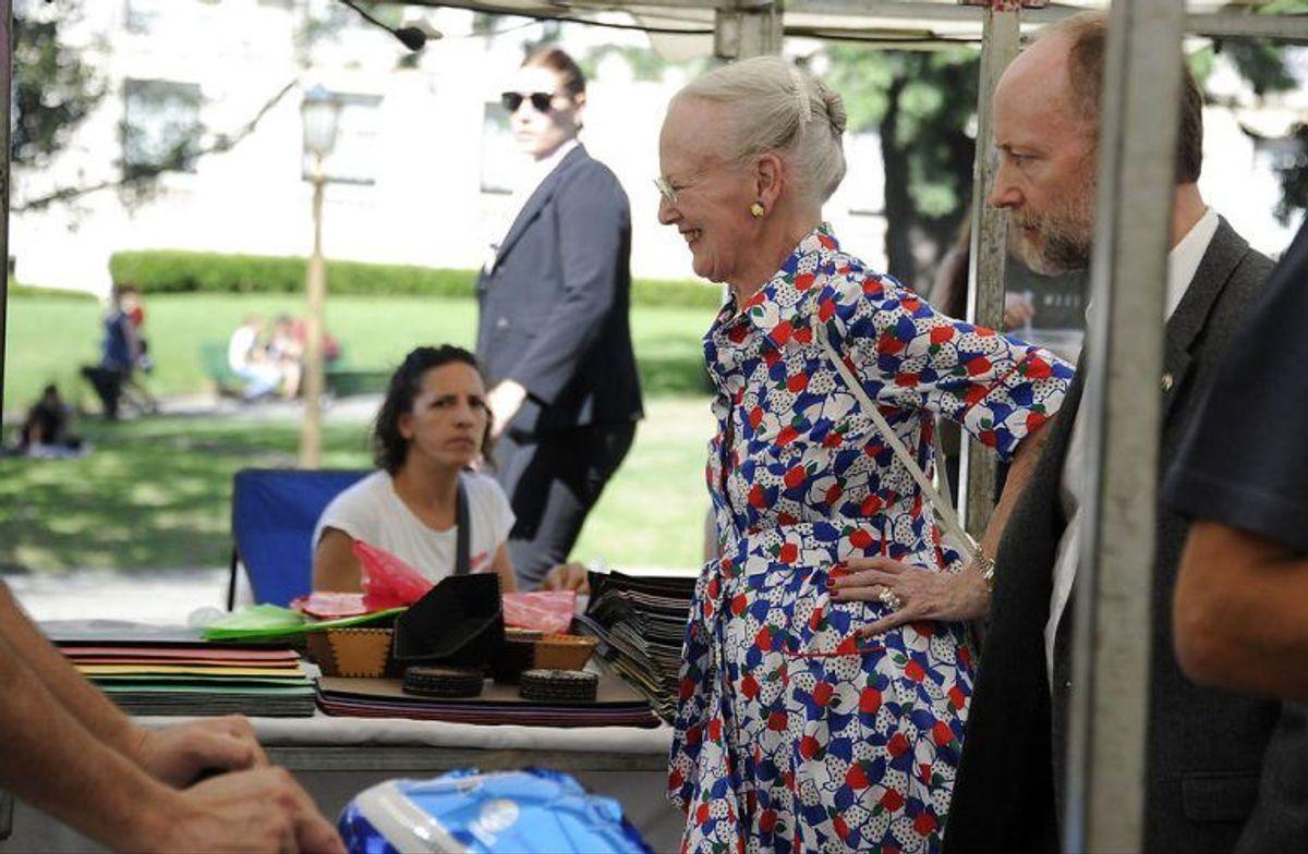 Her ses dronningen på markedet. Foto: Scanpix