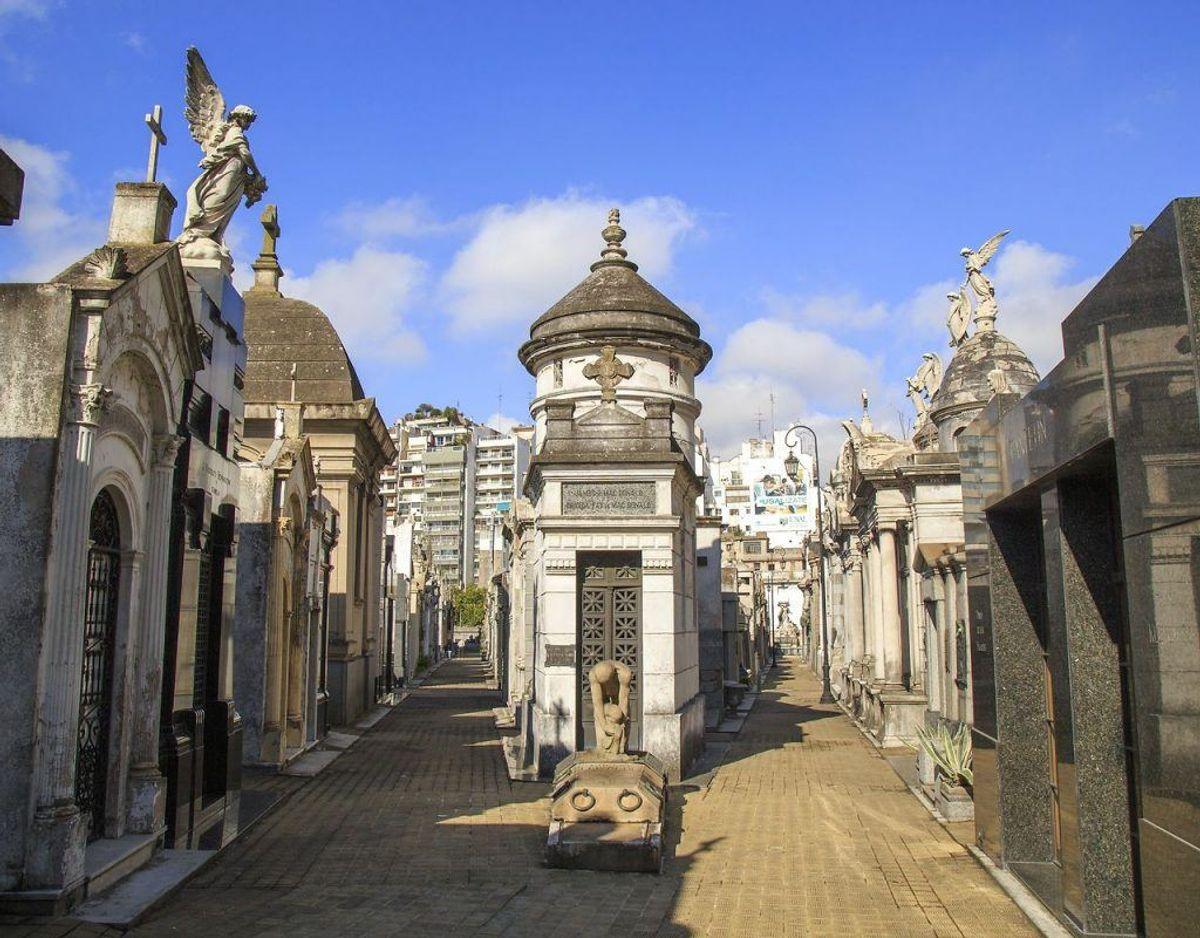 Margrethe  skal blandt andet besøge Cementerio Recoleta, der er udnævnt som en af verdens smukkeste kirkegårde. Foto: Scanpix
