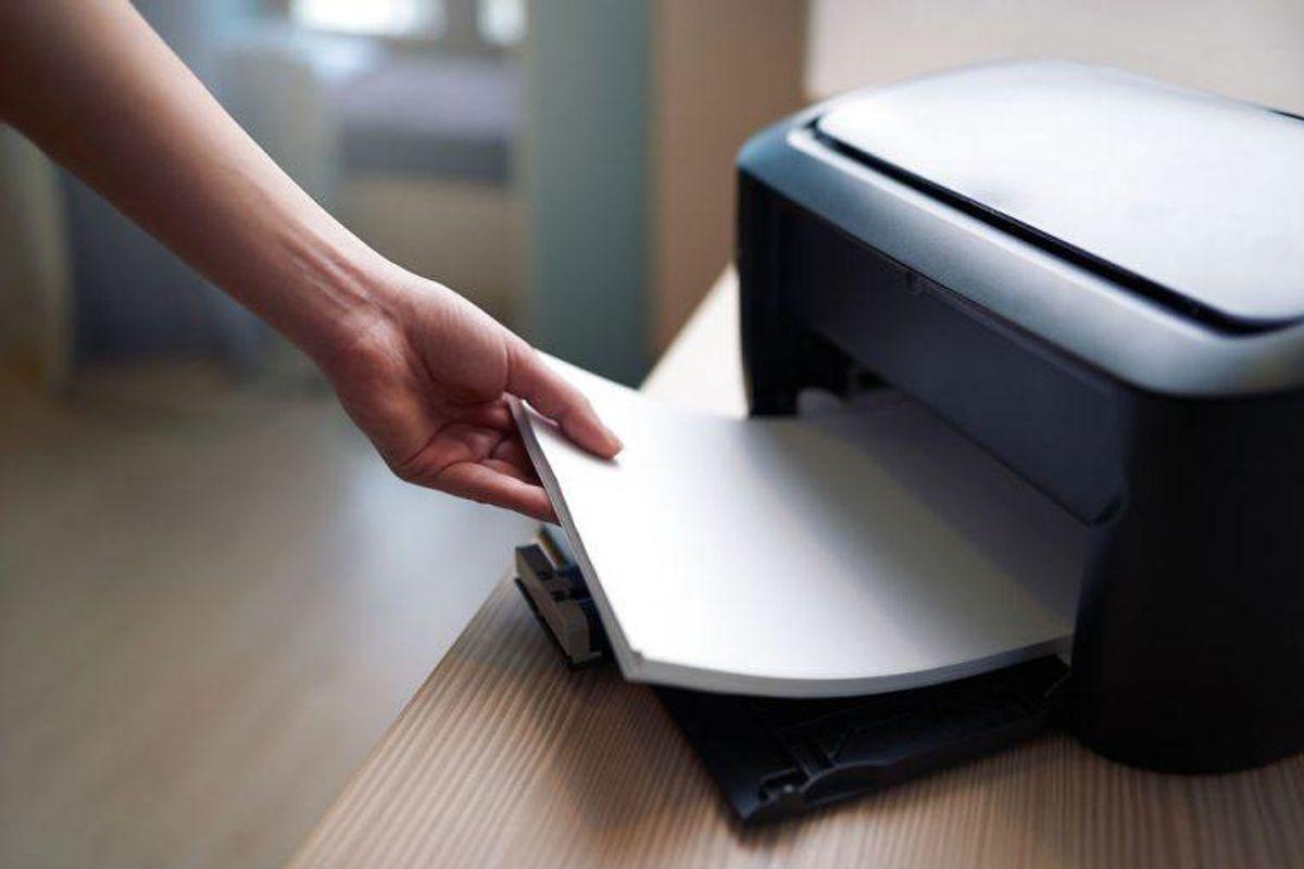 Når du opdager, at du er i klemme i en eller anden form for aftale, skal du gemme alt, du modtager i forbindelse med den dårlige handel. Kopier mails og print alt ud. Så har du fysiske eksempler, du kan bruge senere, hvis du opsøger hjælp. Foto: Scanpix.