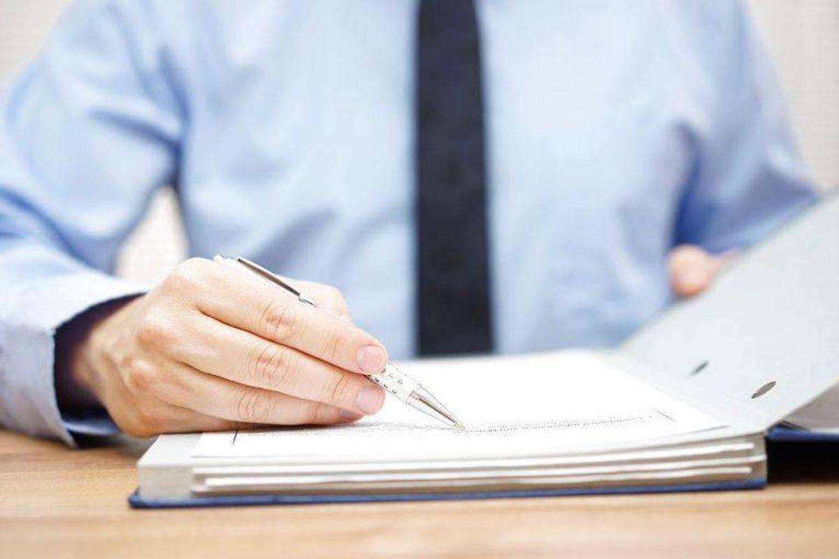Hvis du får breve fra inkassofirmaer eller kreditregistreringsfirmaer, skal du klage skriftigt. Ellers kører sagerne videre. Foto: Scanpix