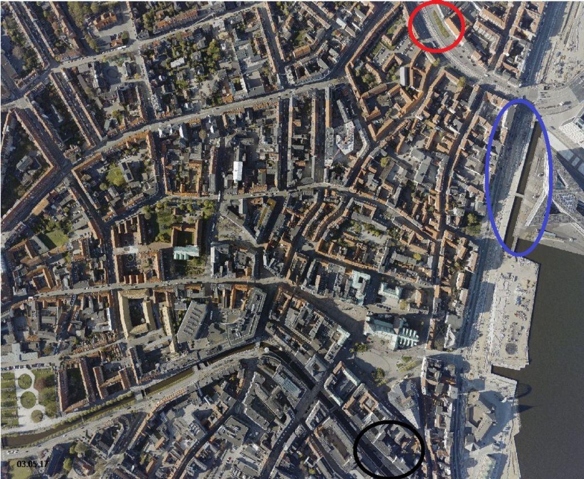 Den sorte ring markerer, hvor Steffen var til julefrokost, den røde ring viser Nørreport, hvor han sidst er set med sikkerhed. Den blå ring er der, hvor flere personer mener at have set en høj, beruset mand bevæge sig tæt på vandet.  Foto: Skraafoto.kortforsyningen.dk