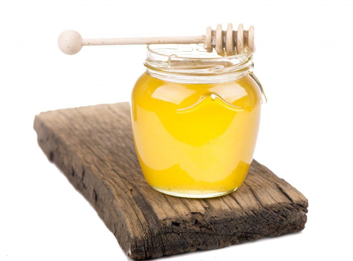"""""""Man bør undgå at give honning til børn under et år, idet det kan indeholde sporer af C. botulinum"""", oplyser SSI. Foto: Colourbox."""