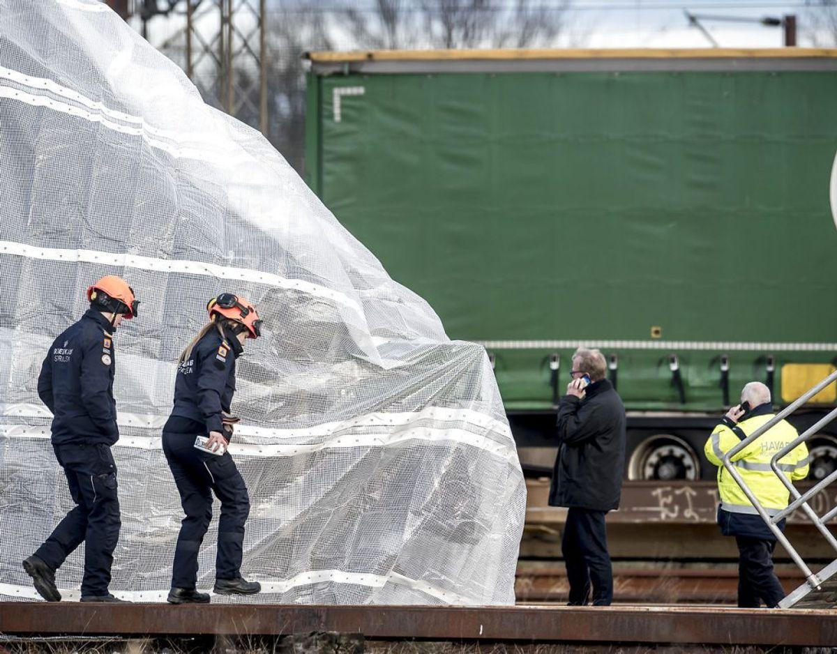 Otte personer blev dræbt, og 16 er kommet til skade i togulykken, hvor et passagertog blev ramt af dele fra et godstog på Storebæltsbroen. . (Foto: Mads Claus Rasmussen/Ritzau Scanpix)