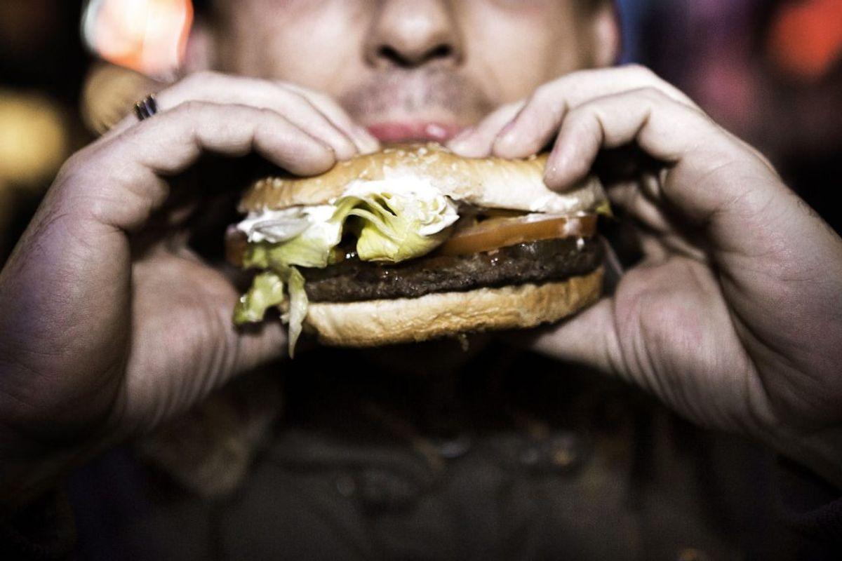 Vil du sætte tænderne i en burger fra restauranten? (Foto: Scanpix)