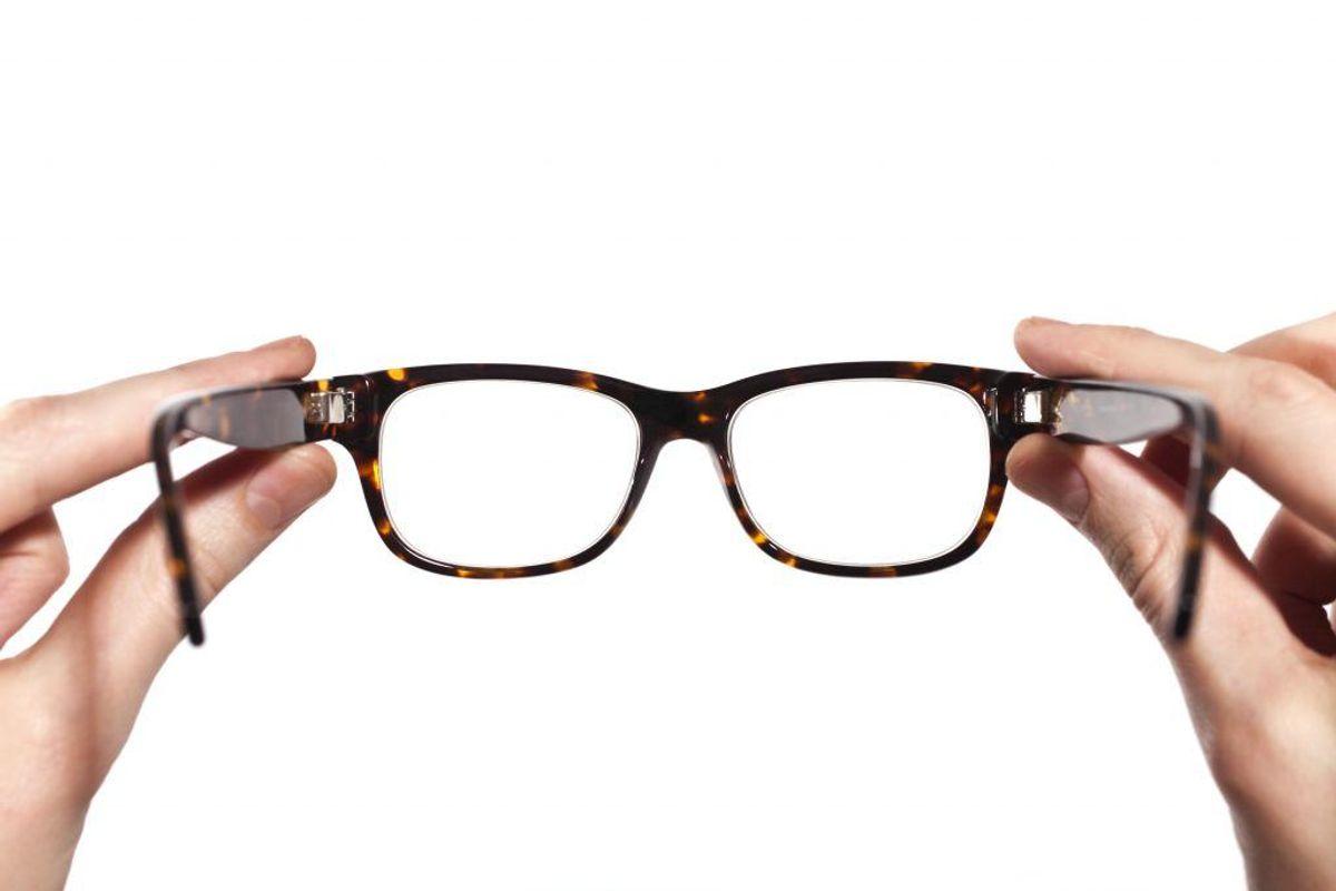 Nærsynethed kan korrigeres med briller, kontaktlinser eller ved operation.