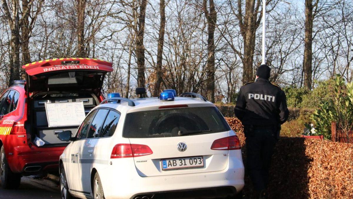 Efter en den voldsomme brand var der politi teknikere på stedet det meste af onsdag. Sagen undersøges stadig. Foto: Øxenholt Foto