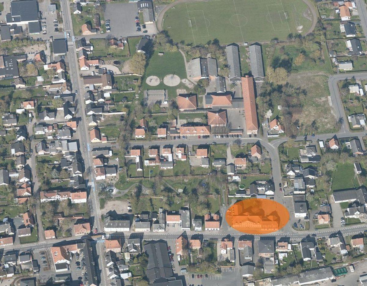 Branden brød ud i den på kortet markerede bygning. Foto: Styrelsen for Dataforsyning og Effektivisering.