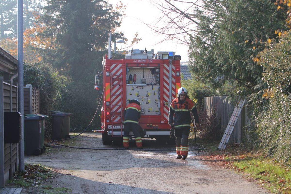 Brandvæsnet var massivt til stede for at slukke branden. (Foto: Presse-fotos.dk)