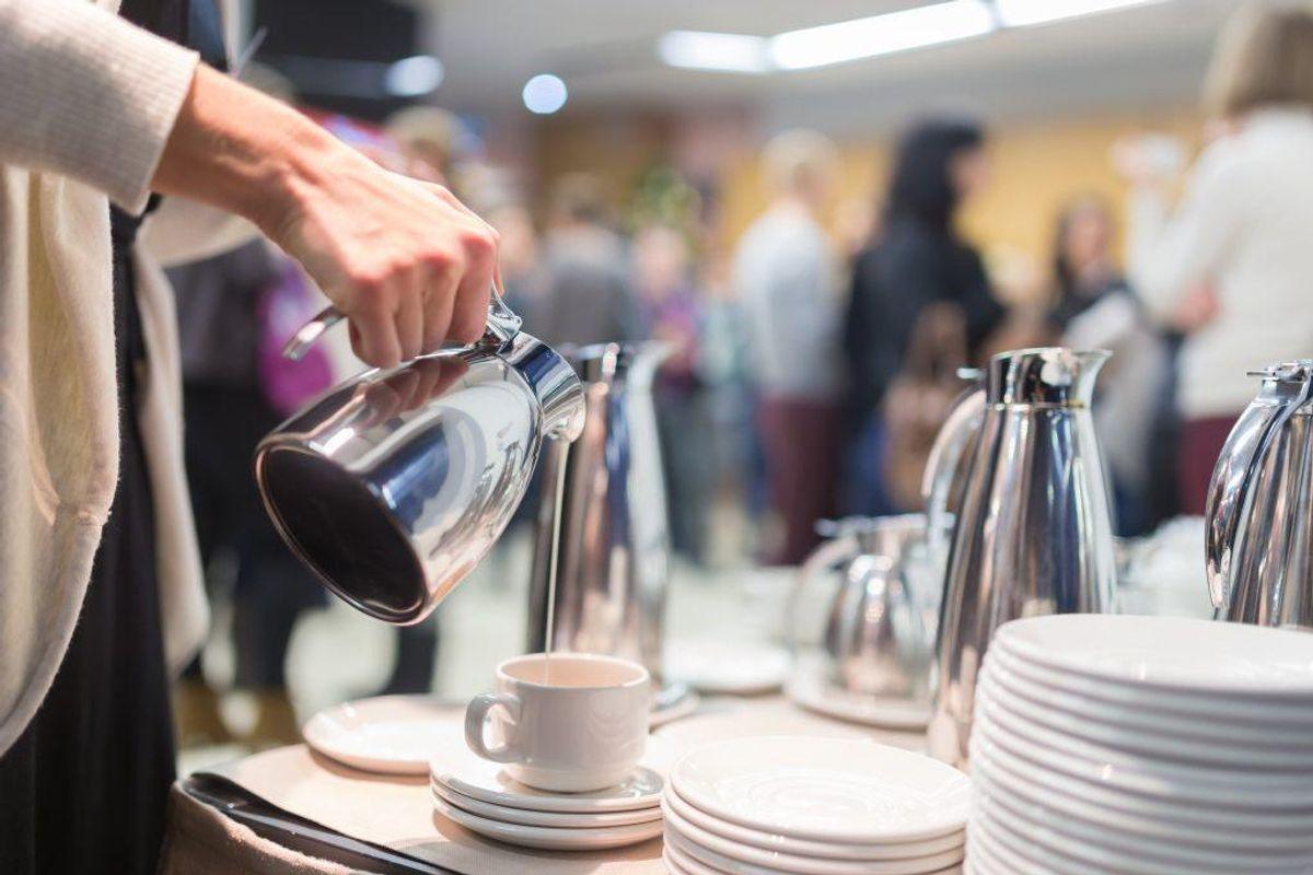 En kop mellemristet kaffe indeholder mest af det skadelige stof akrylamid. Der er dog også stor forskel på, hvor meget koffein der er i forskellige kaffetyper. KLIK VIDERE OG SE, KOFFEIENMÆNGDEN I FORSKELLIGE KAFFETYPER. Arkivfoto.