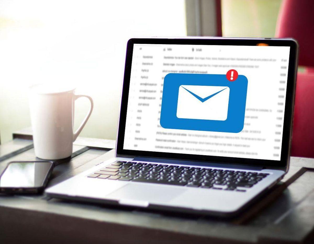 Der sendes utallige mails i løbet af en dag, men nogle af dem skal du holde snitterne fra. Se eksemplerne her i galleriet. Foto: Scanpix