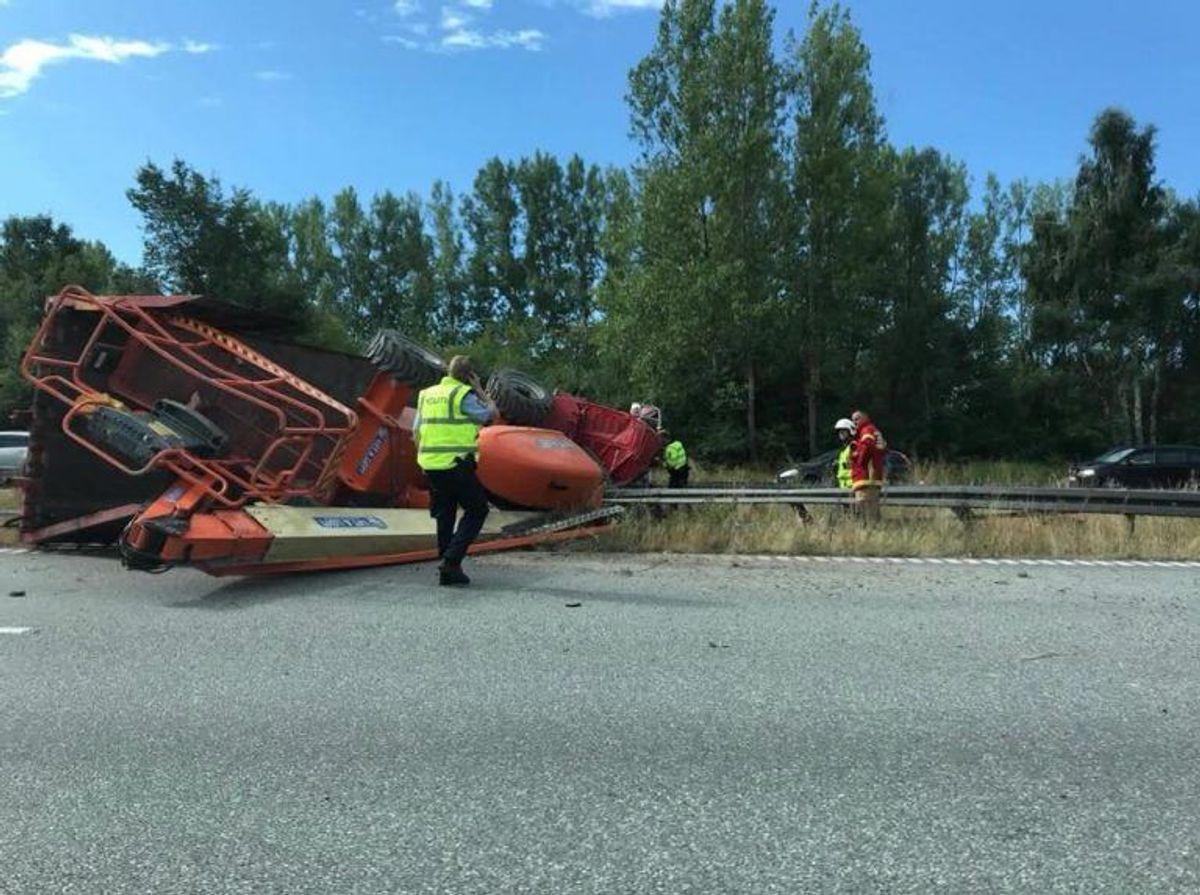 Sådan så der tidligere ud på motorvejen. Det var så interessant, at flere bilister filmede uheldet. Foto: Presse-fotos.dk.