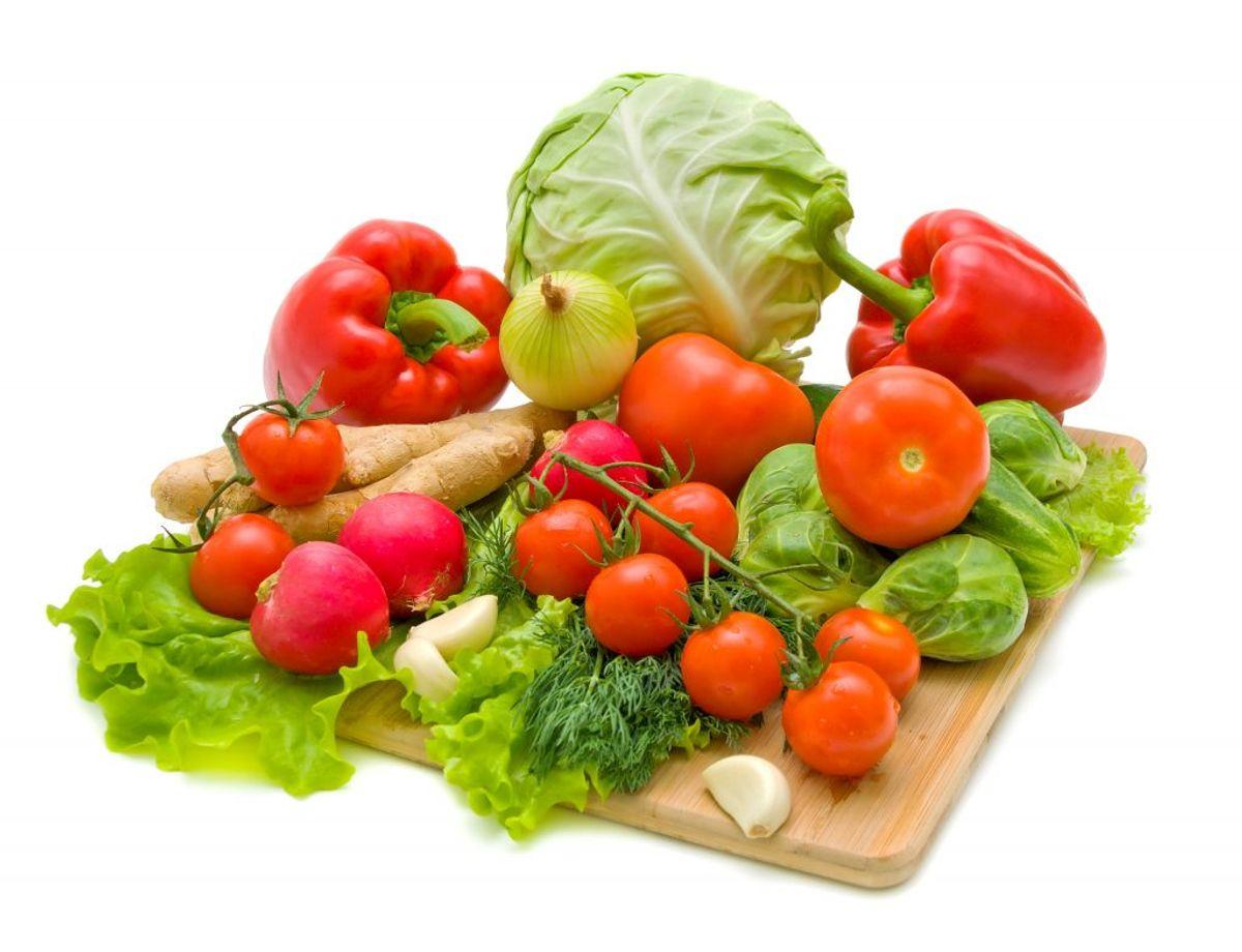 Ved at vælge økologiske grøntsager undgår du også pesticidrester, da grøntsagerne er produceret uden kunstige sprøjtemidler og kunstgødning.