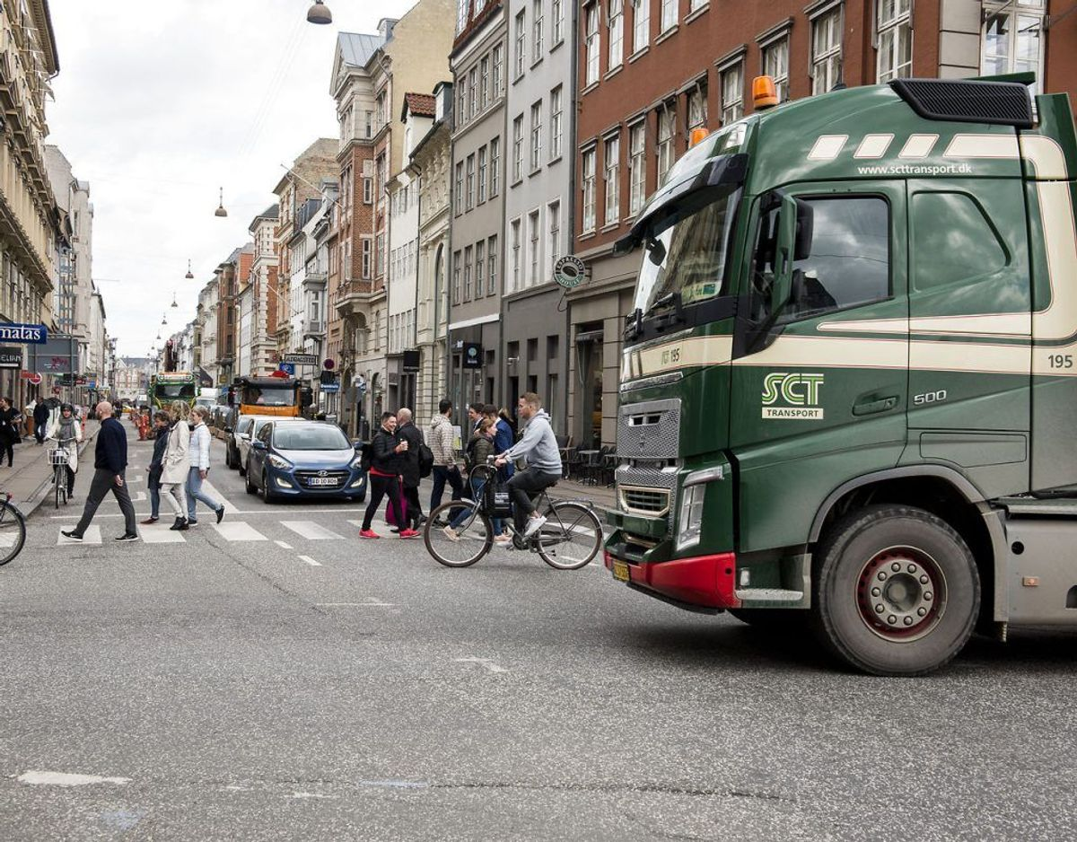 Tunge lastbiler risikerer at få forbud mod at køre i heden. Foto: Mads Joakim Rimer Rasmussen/Ritzau Scanpix.