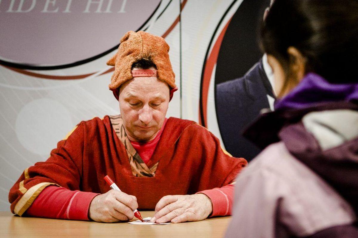 Skuespilleren Jan Linnebjerg, bedre kendt som Pyrus, har erkendt, at han har kørt spirituskørsel. Han står dermed formentlig til at miste kørekortet. KLIK VIDERE OG SE FLERE KENDTE DANSKERE, DER HAR MISTET KØREKORTET Foto: Scanpix