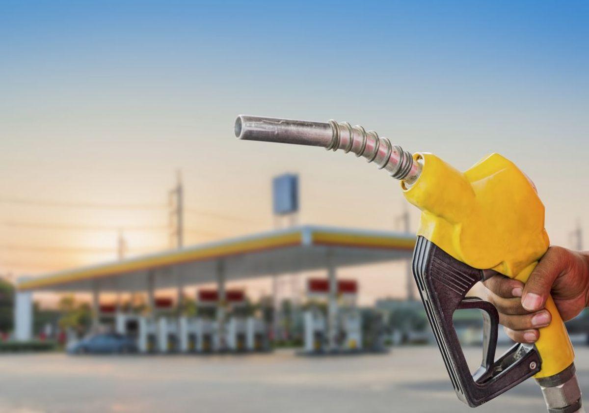 Det er bestemt ikke ligegyldigt, hvor på din rejse, du vælger at tanke. Se benzinpriserne i en række forskellige europæiske lande i galleriet her. (Foto: Iris)