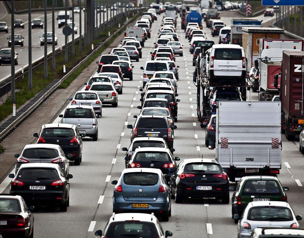 Køen på motorvejen er den samme, uanset om du kører Land Rover, Ford eller Fiat. Alligevel er der stor forskel på, hvor tilfredse de danske bilejere er med deres køretøj. KLIK IGENNEM GALLERIET OG SE DE TI BILMÆRKER, SOM EJERNE ER MEST TILFREDSE MED IFØLGE FDM'S AUTOINDEX-UNDERSØGELSE. ARKIV. Foto: Dennis Lehmann/Scanpix