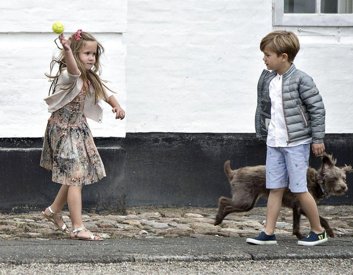 Nummer 4 og 5: Kronprinsparrets tvillinger indtager henholdsvis en femte- og en fjerdeplads i arverækkefølgen til den danske trone. Men da det er prins Vincent, der er født først, er det ham, der er foran prinsesse Josephine. Arkivfoto: Henning Bagger/Scanpix