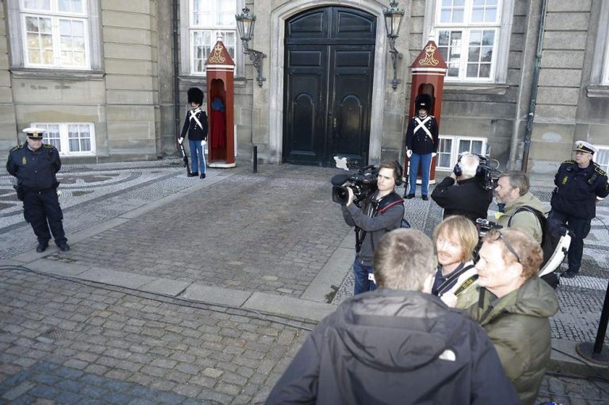Statsminister Lars Løkke Rasmussen (V) præsenterer nye ministre for dronningen på Amalienborg Slot, onsdag formiddag den 2. maj 2018. (Foto: Mads Claus Rasmussen/Scanpix 2018)