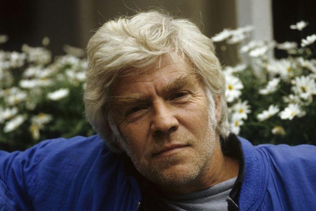 Faktisk var Ole Ernst tiltænkt en af de bærende biroller i tv-serien, men på grund af nogle faglige uoverensstemmelser mellem Ole Ernst og Danmarks Radio gik det ikke. Han skulle ellers have spillet rollen som tjener Boldt, der i stedet gik til Per Pallesen. Arkivfoto: Scanpix