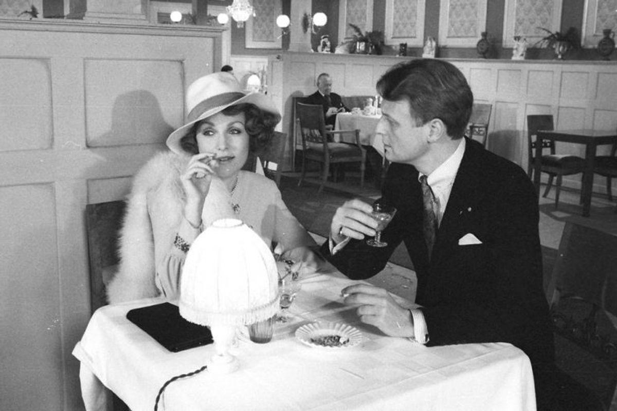 """Susse Wold og Bent Mejding havde et spektakulært parløb gennem adskillige af tv-seriens mange afsnit. Og de blev rost for at spille yderst intensivt sammen. De to har kendt hinanden siden 1959 – altså cirka 20 år inden """"Matador"""", og blev gift i 1983. Arkivfoto: Scanpix"""