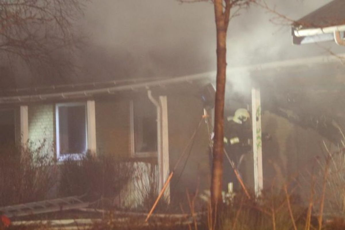 Natten til onsdag udbrød der brand i en skole i Kirke Sonnerup. Se flere billeder fra branden i galleriet her. Foto: Mathias Øgendal/Presse-fotos.dk