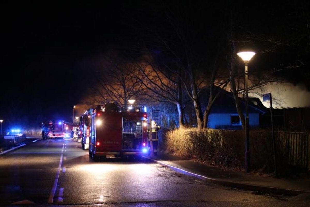 Natten til onsdag udbrød der brand i en skole i Kirke Sonnerup. Foto: Mathias Øgendal/Presse-fotos.dk
