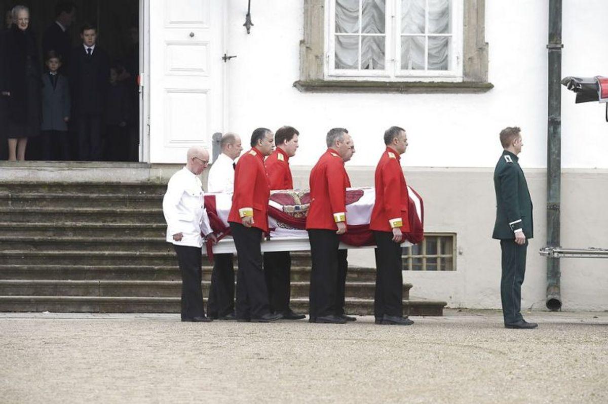 "Prince Henrik""s casket is moved from Fredenborg Palace to Amalienborg Palace on Thursday, February 15 2018. Prince Henrik died on Tuesday February 13 at Fredensborg Palace.. (Foto: Liselotte Sabroe/Scanpix 2018)"
