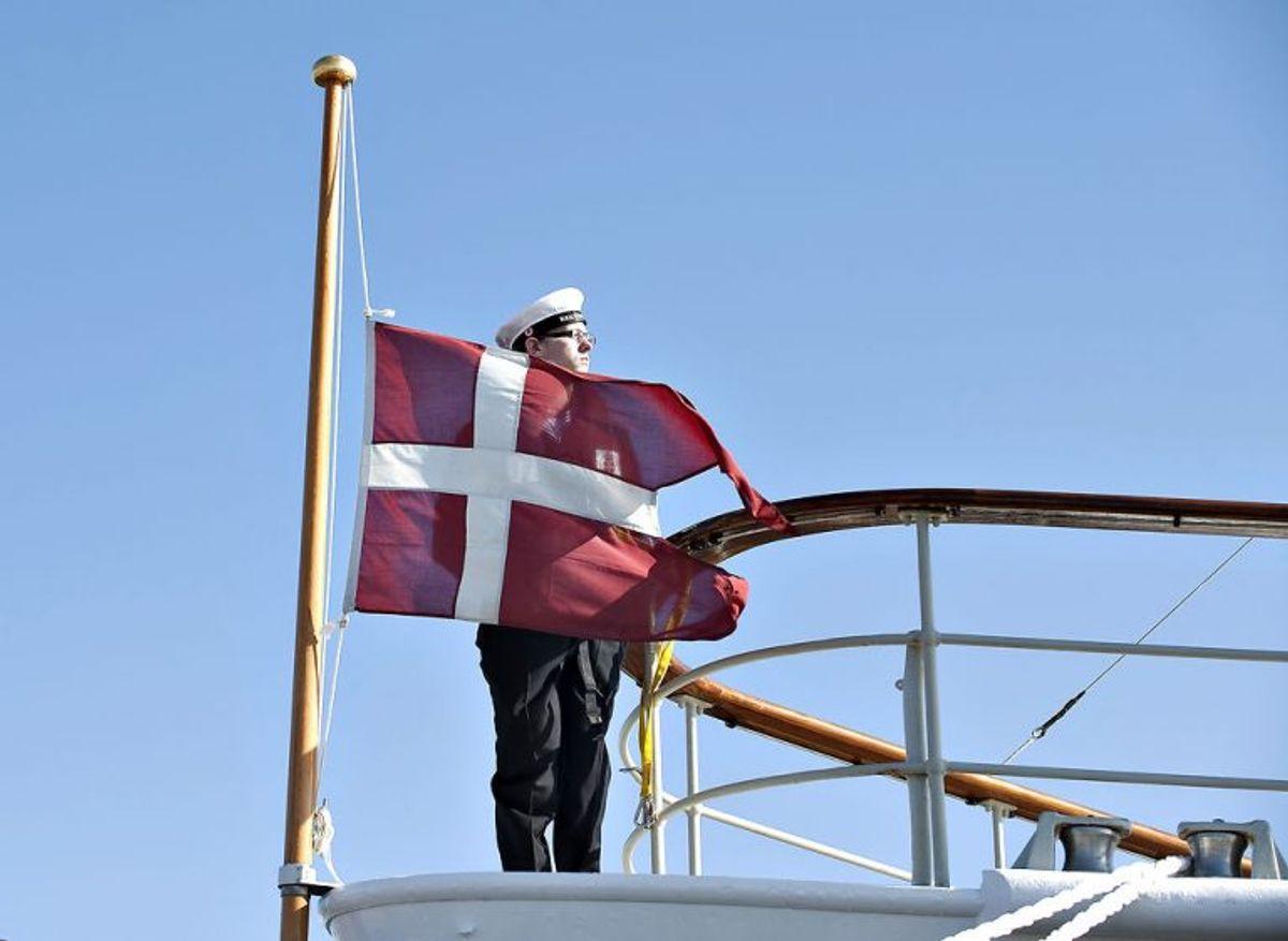 Klik igennem galleriet og se reglerne for at få spredt sin aske til søs, sådan som prins Henrik har ønsket. Foto: Henning Bagger/Scanpix