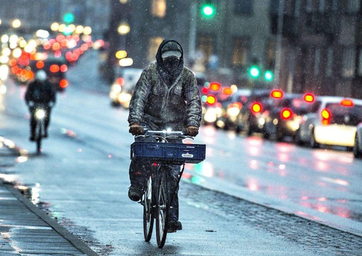 """Slud er ifølge DMI en """"blanding af sne og regn,"""" og dermed ikke det samme som tøsne. Foto: Henning Bagger/Scanpix"""