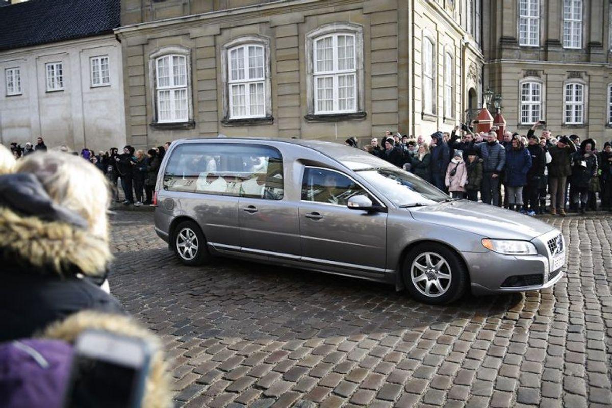 """Prince Henrik""""s casket arrives to Amalienborg Palace on Thursday, February 15 2018. Prince Henrik died on Tuesday February 13 at Fredensborg Palace.. (Foto: Philip Davali/Scanpix 2018)"""