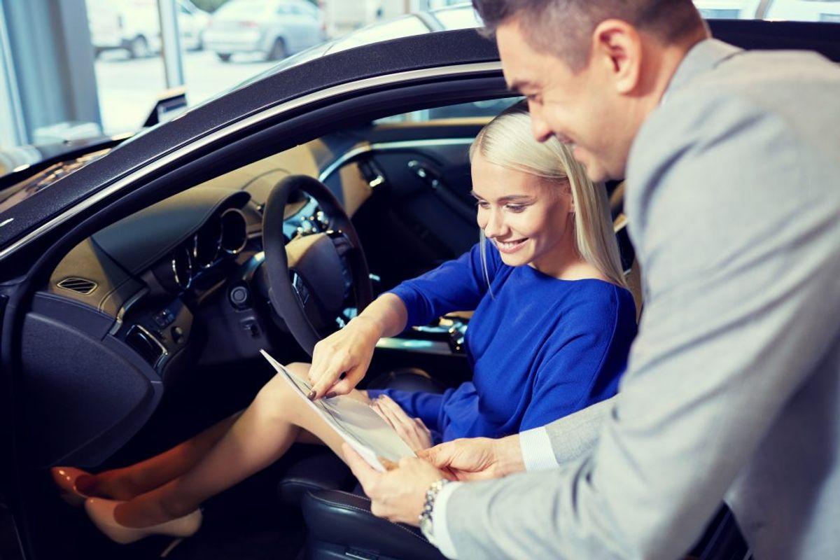 Hvis du skal pendle langt, kan det typisk betale sig at vælge en dieselbil frem for en benzinbil.