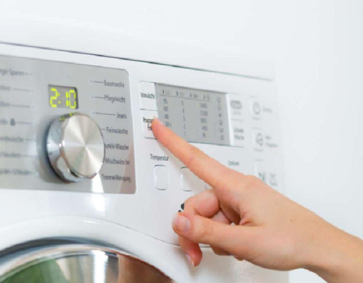Hvis du vasker ved lav temperatur, så tjek, at sæben er egnet til det. Foto: Colourbox.