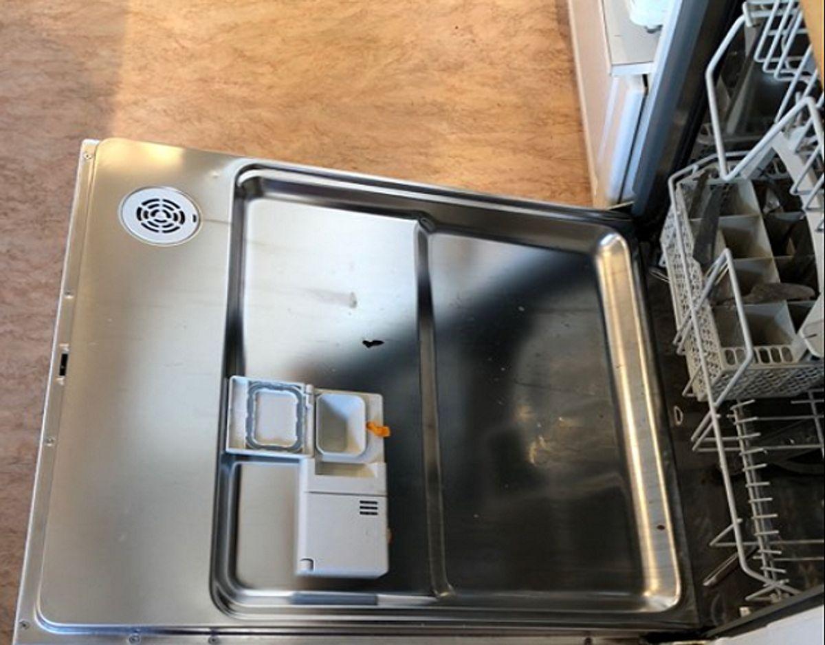 Åbn maskinen efter vask, så dampen kan blive lukket ud. Foto: Jørgen Rosengren/Newsbreak.dk.