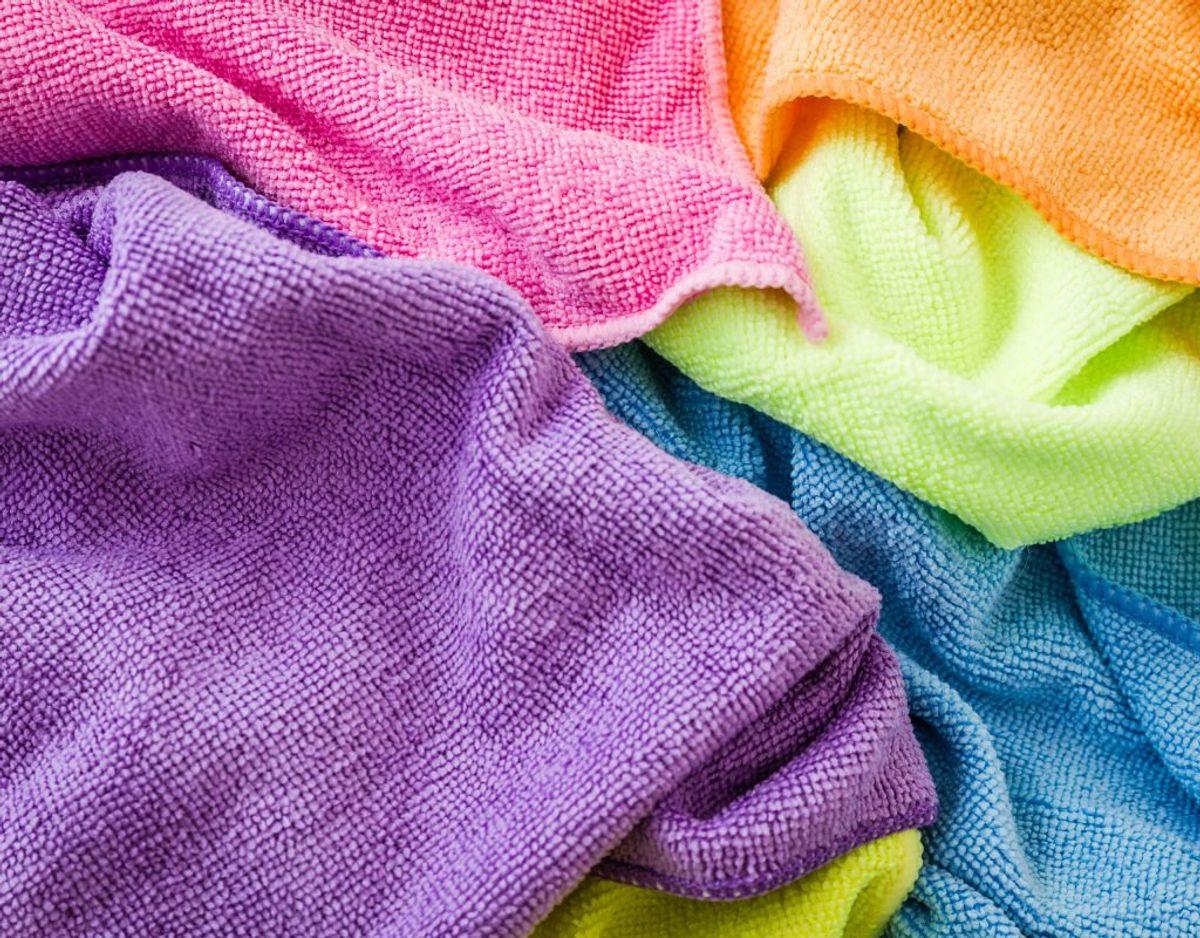 Karklude, håndklæder, viskestykker, undertøj og sengetøj skal have 60 grader. Arkivfoto.