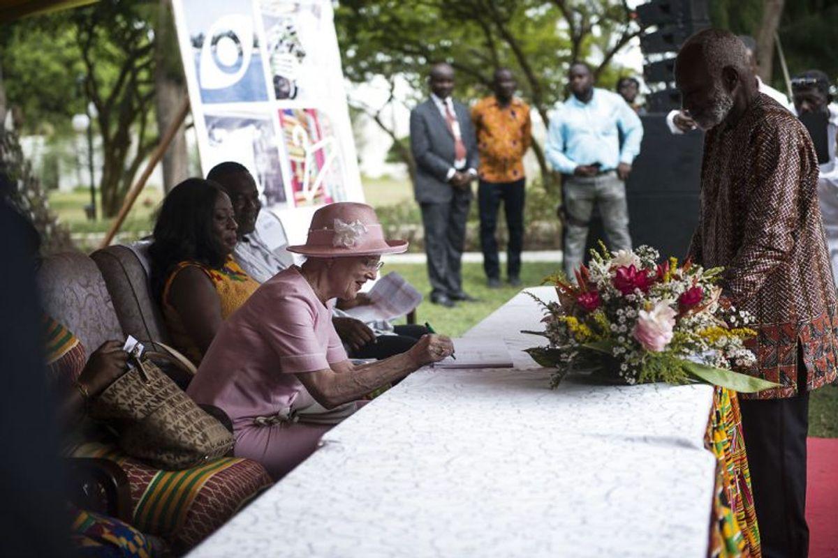 Margrethe savner Henrik midt i Afrika – men er glad for, at han har det godt efter omstændighederne. Foto: Sarah Christine Nørgaard/Scanpix