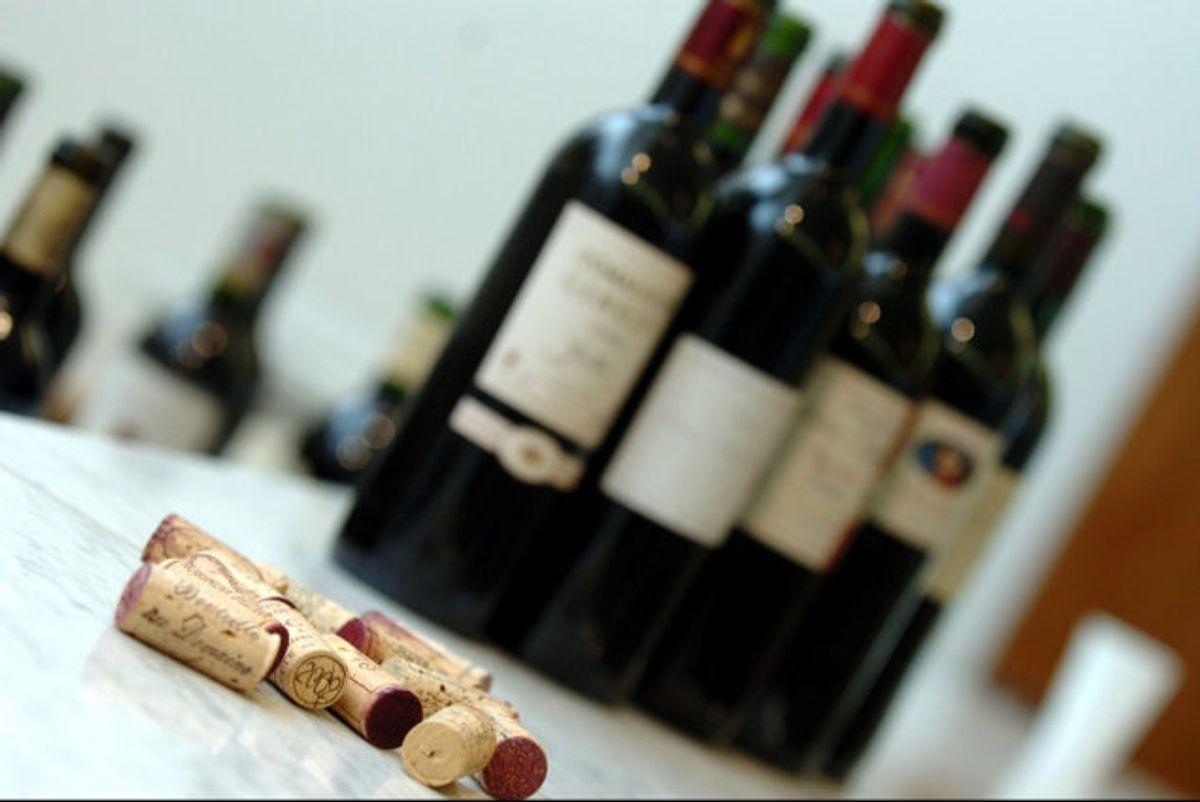 En halv flaske portvin. Foto: Colourbox/Colourbox.com
