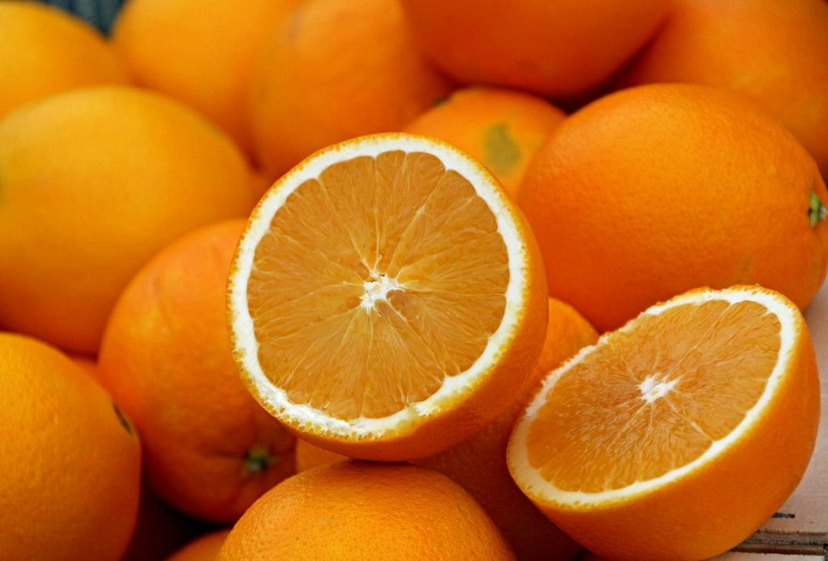 En usprøjtet appelsin.