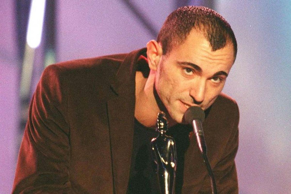 Robert Miles modtog en Brit Award i 1997. I foråret 2017 døde han efter kort tids sygdom. Foto: Starstock/Scanpix.