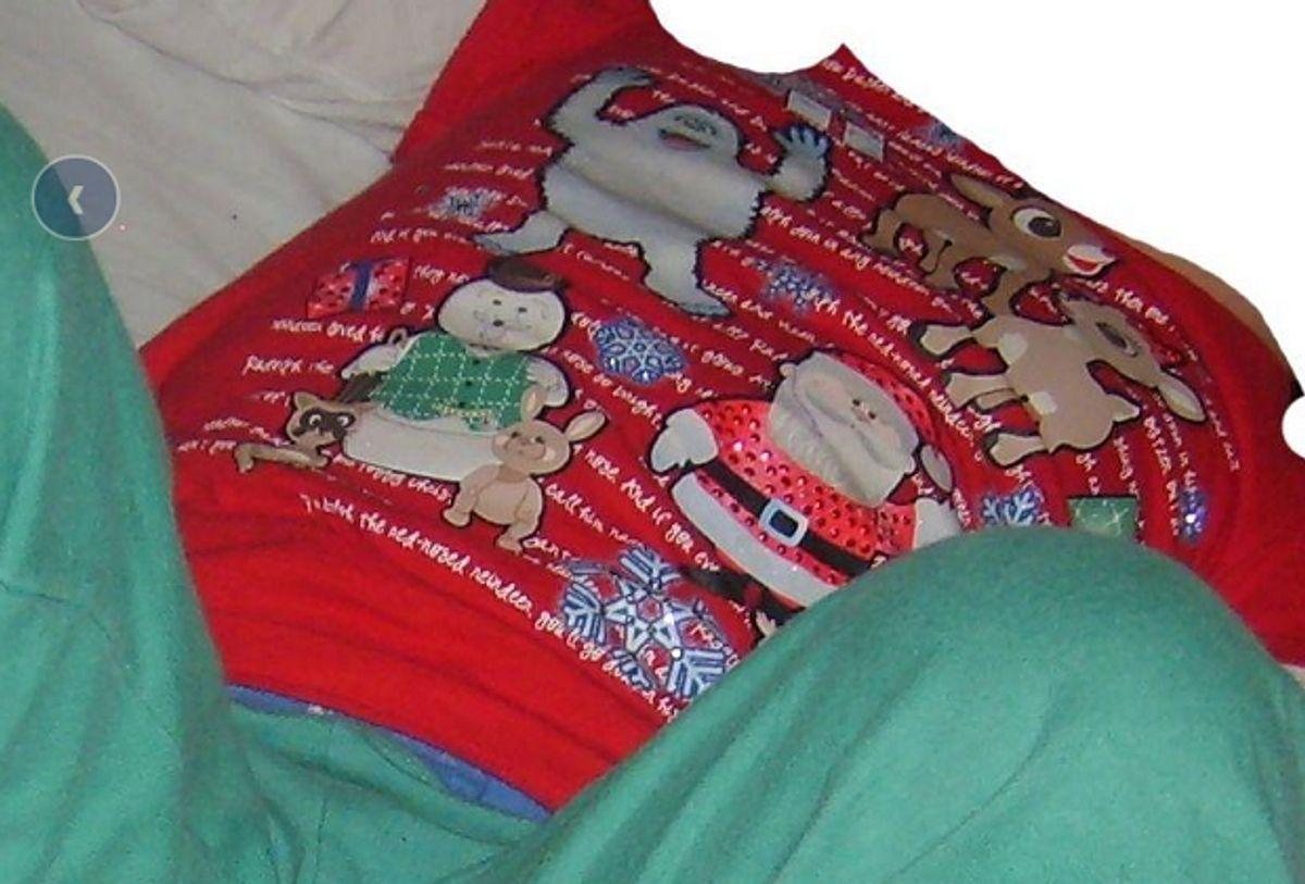 Hvor kan man købe denne børne-t-shirt? KLIK og se flere billeder. Der er brug for DIN hjælp. Foto: Europol.