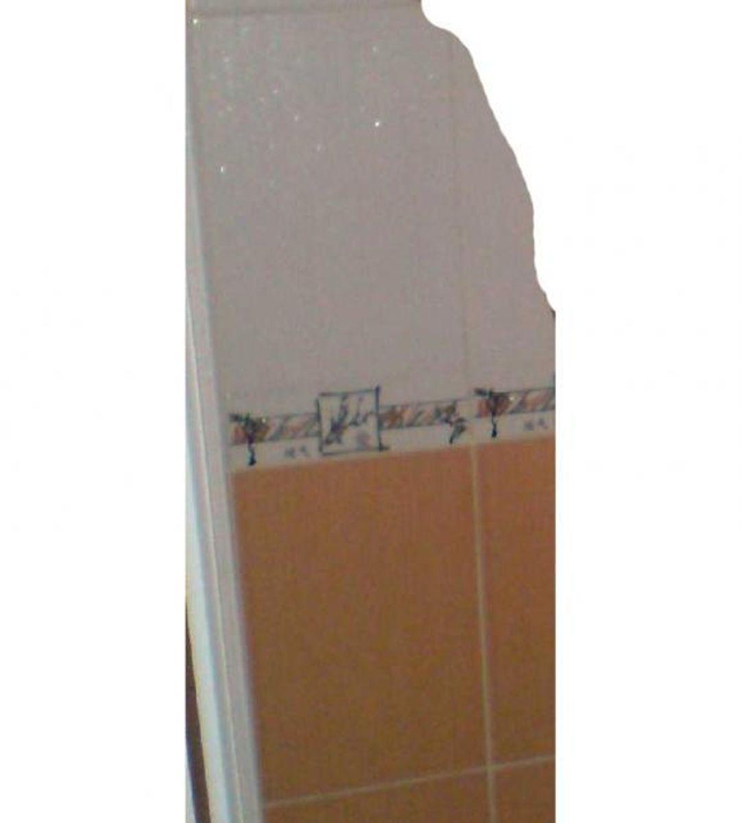 Fliser fra badeværelse. Foto: Europol.