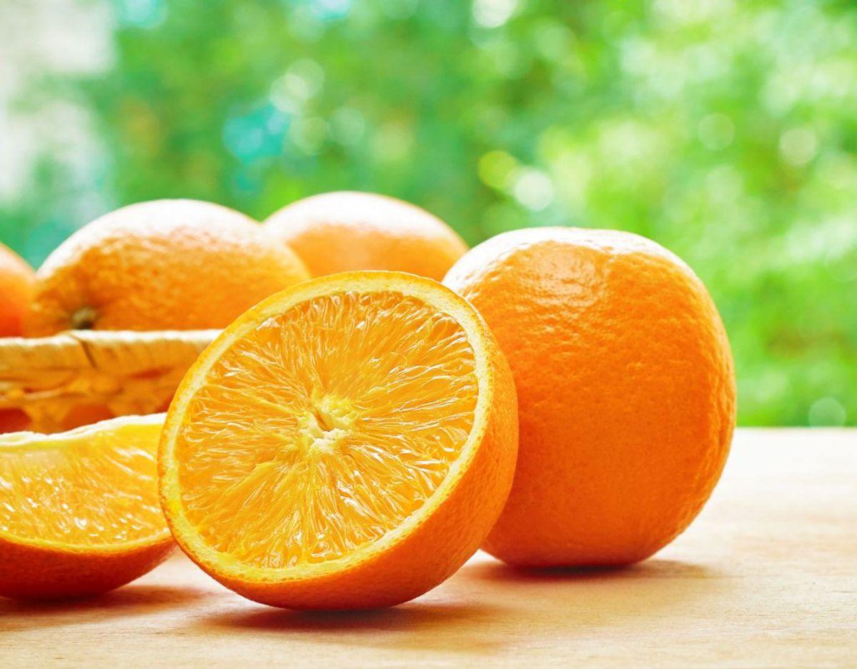 Appelsiner kan opbevares både i og udenfor kølkeskabet. De holder sig bedre på køl men smagen bliver bedst bevaret ved stuetemperatur. Foto: Scanpix.
