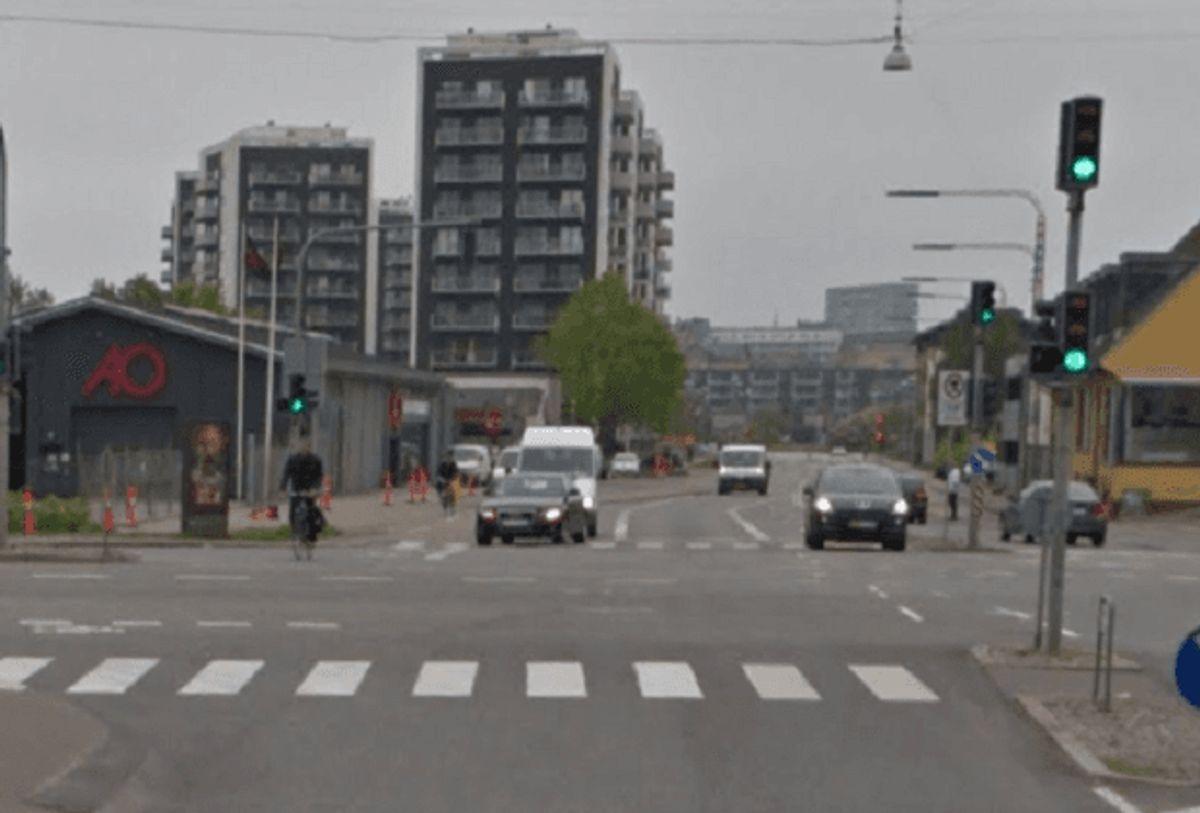 Vær særligt opmærksom på højresvingende biler bagfra… Foto: Google Street View.