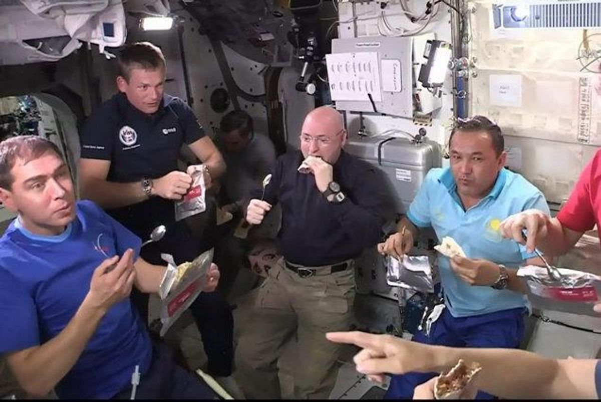 Astronauter på Den Internationale Rumstation (ISS) skal på en ekstraordinær rumvandring for at erstatte en vital computer, der er brændt sammen. (arkivfoto) Foto: Nasa/Free